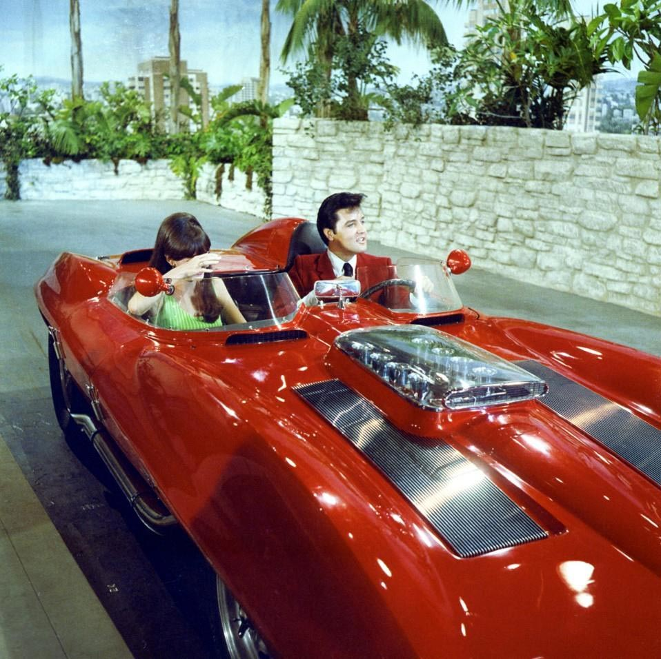 [VIDEO] When Elvis Drove The 1959 Stingray Racer In The