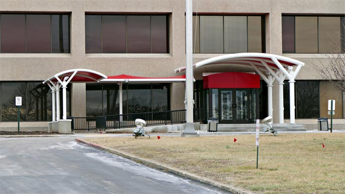 [PICS] Corvette Assembly Plant's Administration Offices Get a New Covered Entryway