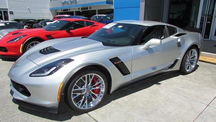 Save Over 15000 On These New 2017 Corvettes From Sport Chevrolet
