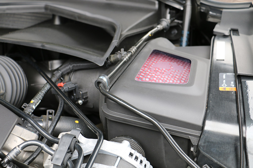 PICS] GM Performance Parts Shows Off New Cold Air Intake at