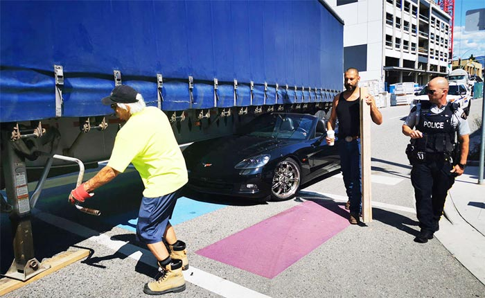 [ACCIDENT] C6 Corvette Z06 Gets Stuck Under a Semi-Truck in Canada