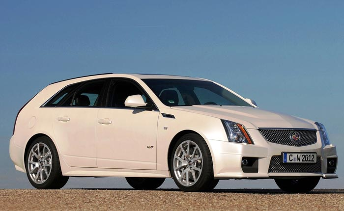 Cadillac CTS-V Wagon in White Diamond Tricoat