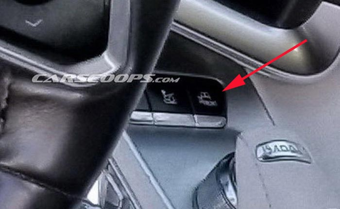 Does This Button On the C8 Corvette's Console Indicate a Split Rear Window?