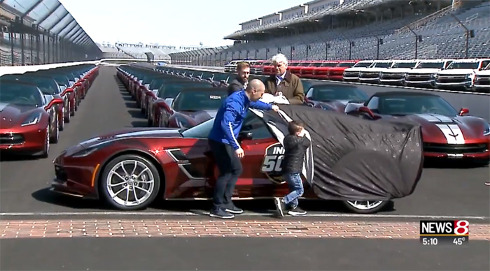 [VIDEO] IndyCar Driver Tony Kanaan Unveils the 2019 Corvette Grand Sport Pace Car
