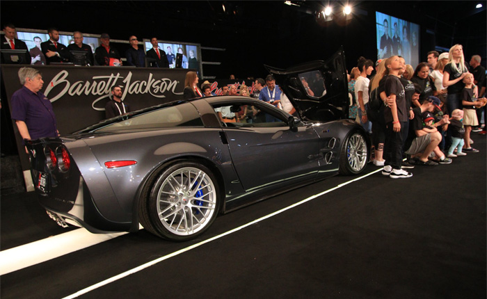 Jeff Gordon's 2009 Corvette ZR1 Raises $350,000 for Charity at Barrett-Jackson Palm Beach