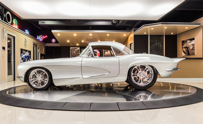 Corvettes on eBay: This 1962 Corvette Restomod Underwent a 10,000-Hour Restoration
