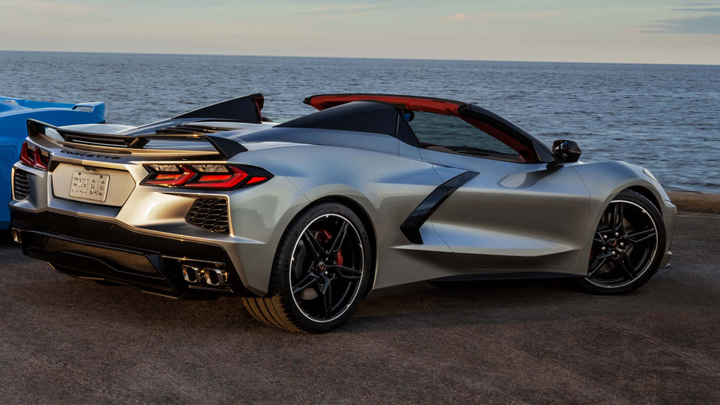[PICS] Chevrolet Releases Official 2021 Corvette Info Including First Photo of the New Silver Flare Exterior