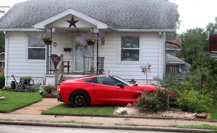 [ACCIDENT] C7 Corvette Stingray Lands in Flower Bed As Driver Attempts to Flee Police