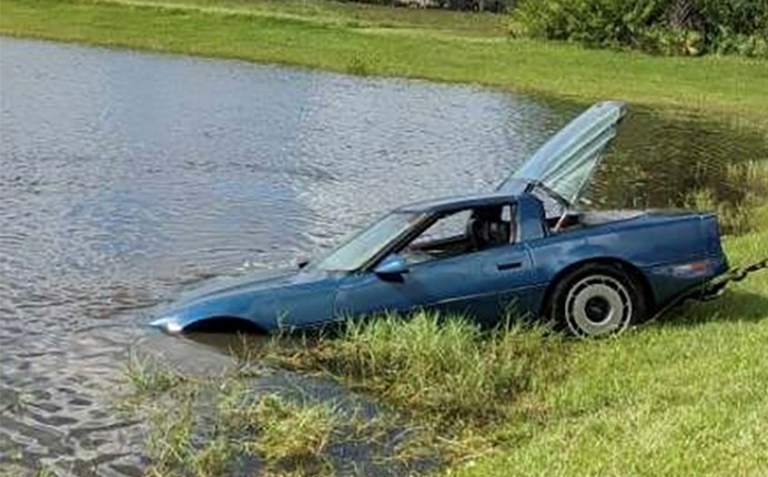 [ACCIDENT] Tow Truck Driver Nearly Drowns Trying to Rescue a Submerged 1984 Corvette
