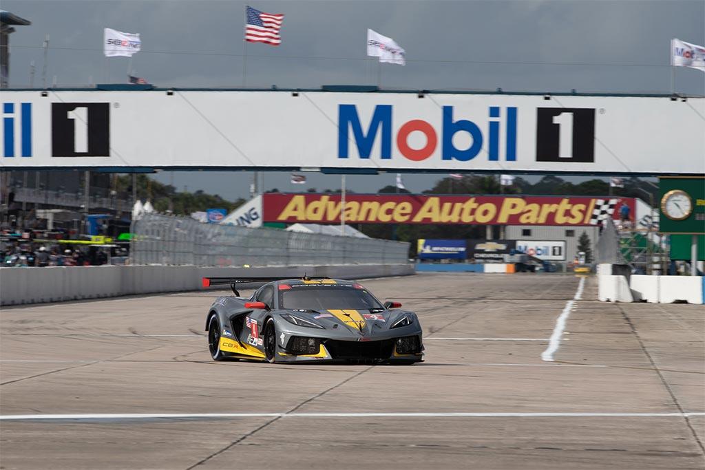 Corvette Racing at Sebring: Pole, Track Record for Garcia