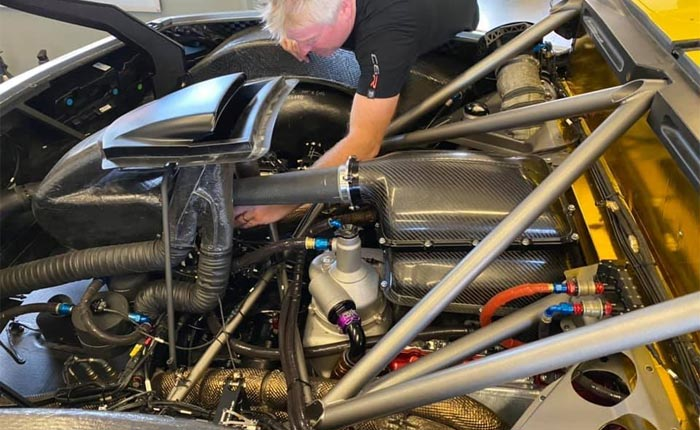 [PIC] First Look at the C8.R's Flat-Plane Crank V8 Engine