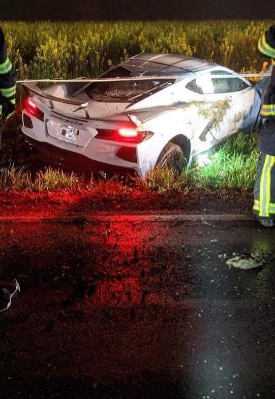 [ACCIDENT] 2020 Corvette Crashes Into a Field