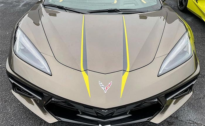 [PIC] First Look at the 2021 Corvette's Stinger Hood Graphic