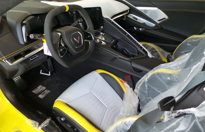[PICS] First Look at the New Strike Yellow/Sky Cool Gray Interior on the 2021 Corvette