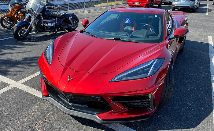 [VIDEO] My First Real Life Sighting of Red Mist 2021 Corvette Stingray