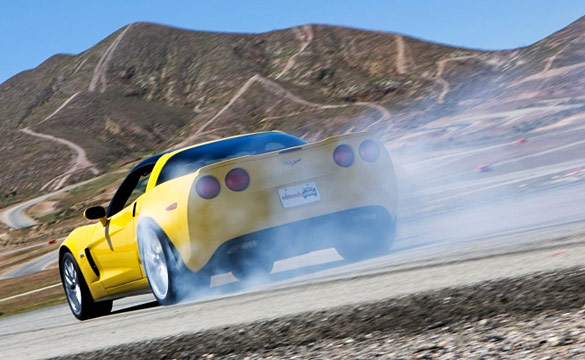 [VIDEO] Burnout Super Test: Viper SRT-10 vs. 2011 Corvette Z06 Carbon Prototype