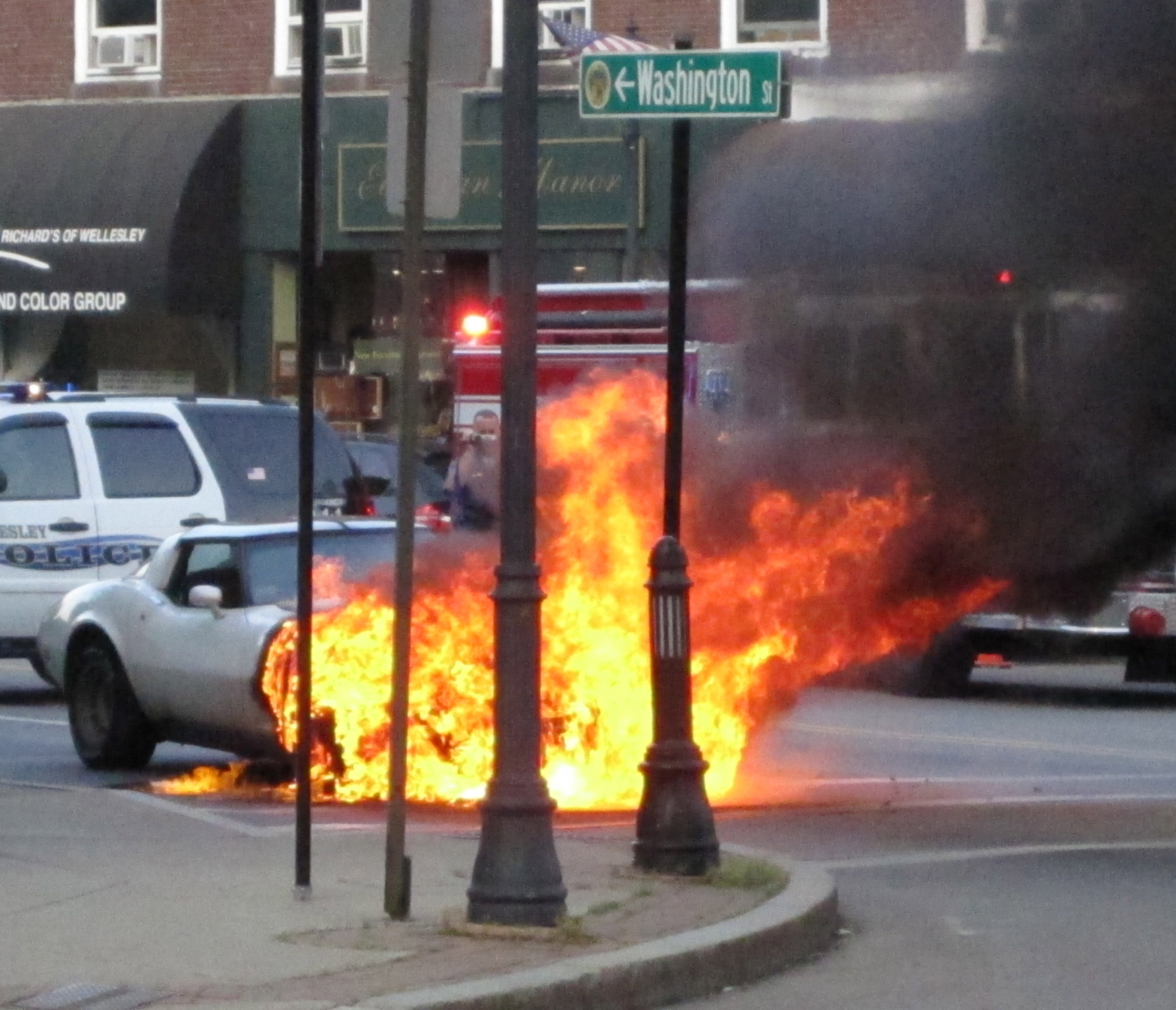 [Accidents] 1979 Corvette Burns in Boston Suburb