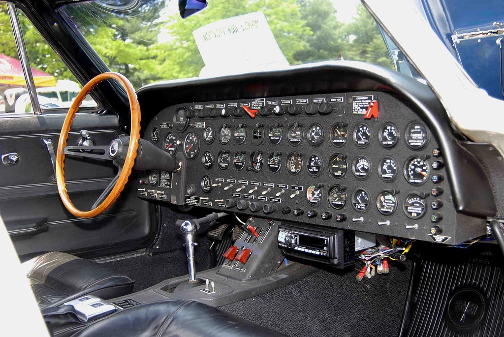 C2 Corvette's Custom Dash Gives New Meaning to Top-Flight Award