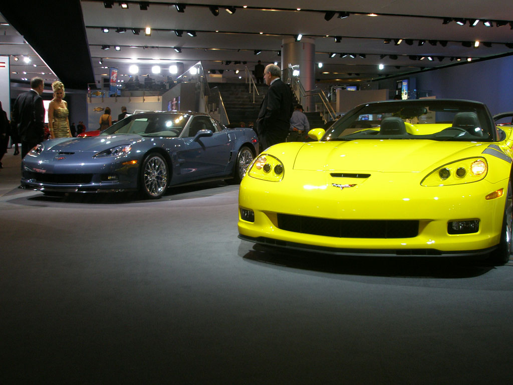 [PICS] 2011 Corvettes at the Detroit Auto Show