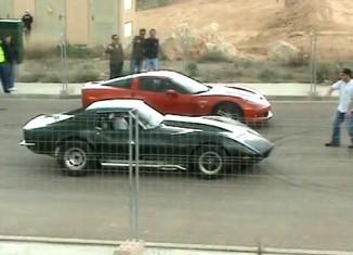 [VIDEO] Dragstrip Shootout: 1973 Corvette Stingray vs a Corvette Z06