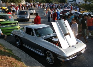[PICS] Corvettes at Tampa Bay's Cars and Coffee