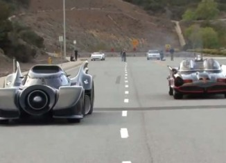 [VIDEO] Batmobiles Go Drag Racing