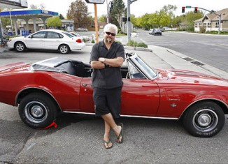 [VIDEO] Guy Fieri to Drive the 2013 Corvette ZR1 Pace Car at the Indy 500