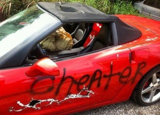 [PIC] A Cheater's C6 Corvette Takes Brunt From Significant Other