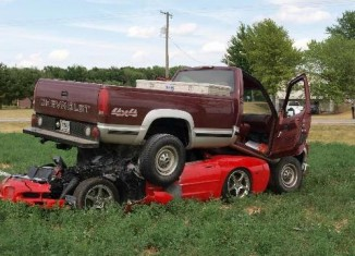 [ACCIDENT] Pickup Truck Lands on a C5 Corvette in Rural Indiana Crash