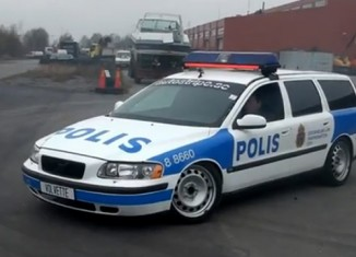 [VIDEO] No Escaping the Corvette-Powered Volvette V70 Police Car