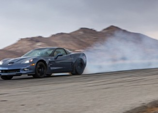 [VIDEO] Burnout Super Test: 2012 Corvette ZR1 vs 2013 SRT Viper GTS