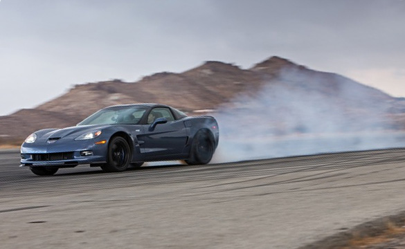 [VIDEO] Burnout Super Test: 2012 Corvette ZR1 vs 2013 SRT Viper GTS