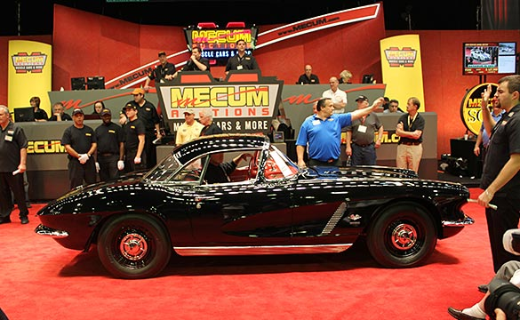 [VIDEO] 1962 Corvette Fuelie Big Brake Tanker Sells for $242,000 at Mecum's 2013 Kissimmee Auction