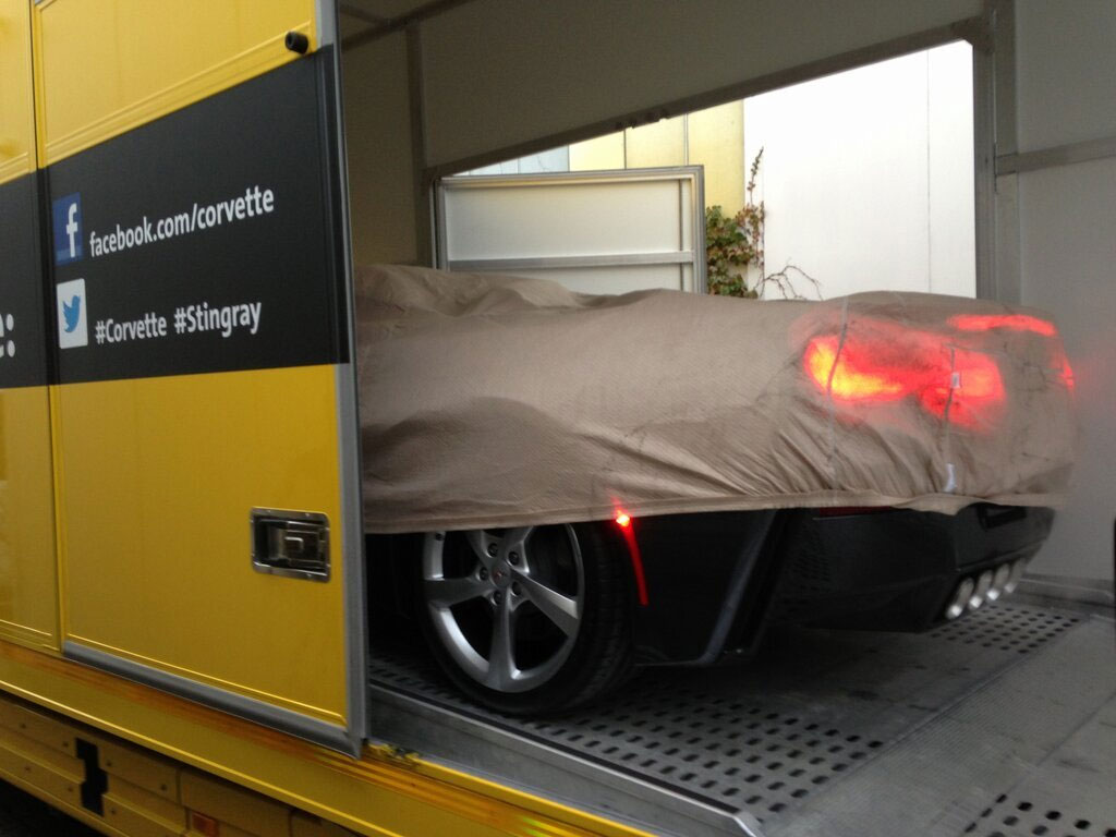 [PIC] Here's a Sneak Peek of the 2014 Corvette Stingray Convertible