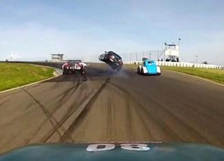 [VIDEO] Mazda Crashes Into the Back of a Corvette at Thunderhill Raceway