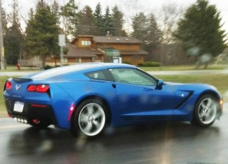 [PIC] Engineers Test the New C7 Corvette Stingray in the Rain