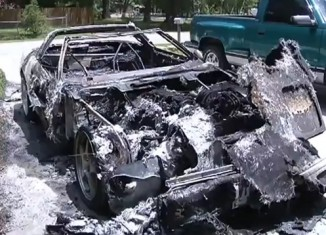 [VIDEO] Jacksonville Arsonist Targets a C4 Corvette