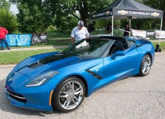[PICS] Chevrolet Shows Off New Stinger Hood Treatment on the 2014 Corvette Stingray