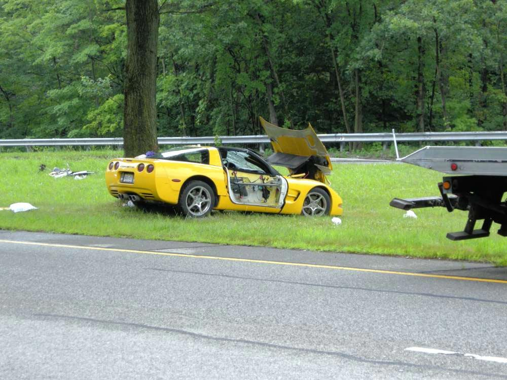 [ACCIDENT] C5 Corvette Hits a Tree in New Jersey