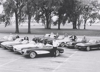 [PIC] Throwback Thursday: Cedar Rapids Corvette Club in 1963