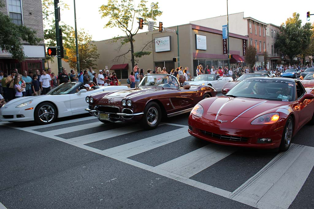 [VIDEO] 2013 Corvettes at Carlisle - Downtown Parade