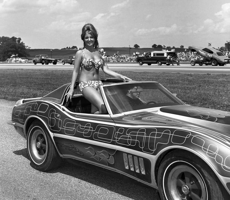 [PIC] Throwback Thursday: Beauties Parade at the Dragstrip