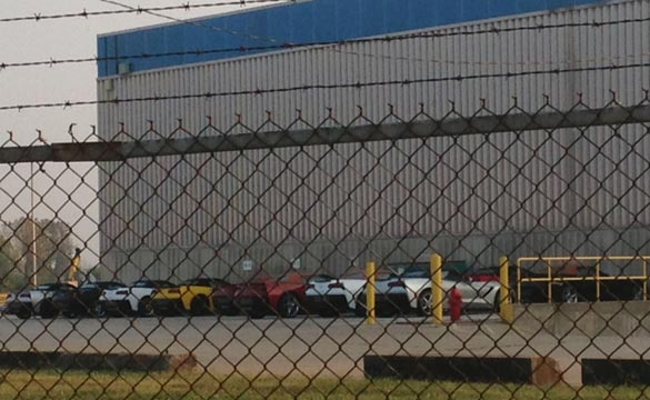 [PIC] 2014 Corvette Stingray Convertibles at the Factory