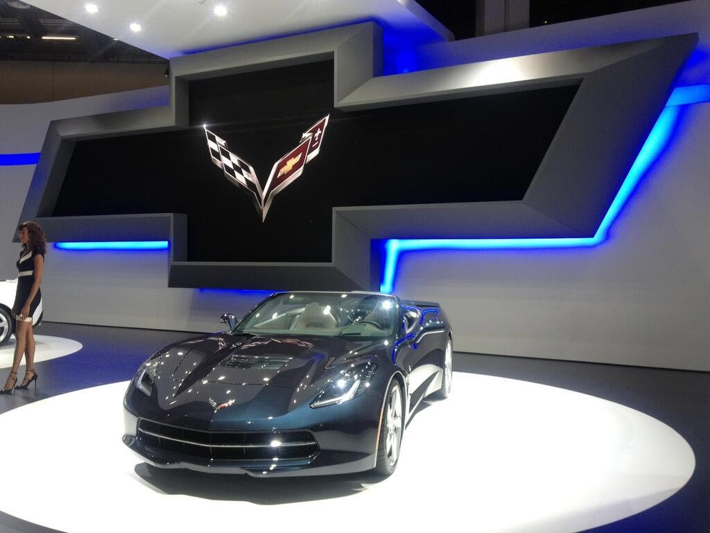 [VIDEO] C7 Corvette Stingrays Shine at the IAA 2013 Motor Show in Frankfurt