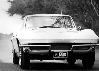 [PIC] Throwback Thursday: 1963 Corvette Sting Ray Burnout