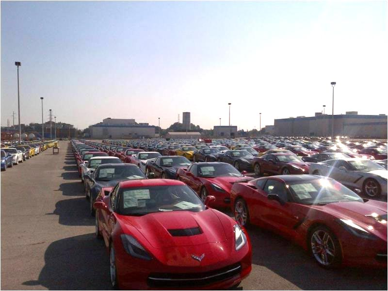 [PIC] 2014 Corvette Stingrays On Hold at the Plant
