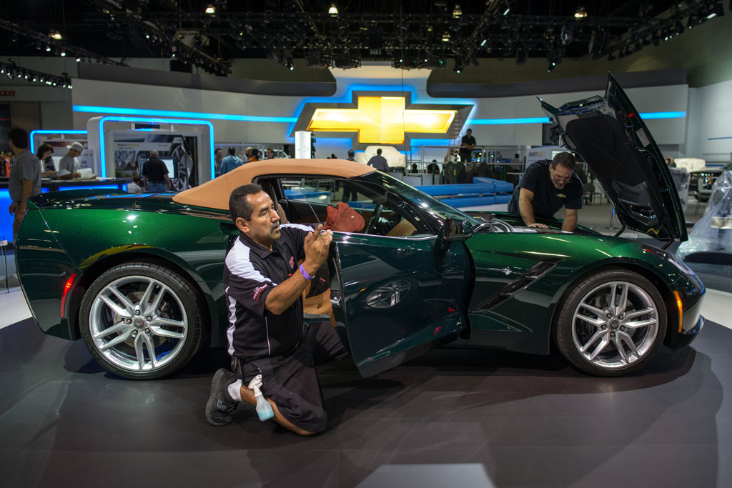 [PICS] Chevrolet's Undergoing Final Prep for the 2013 LA Auto Show