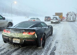 Edmunds.com Editor Recounts Harrowing Tale of Driving a 2014 Corvette Stingray in a Blizzard