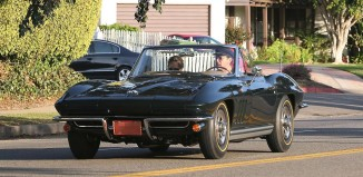 [PIC] Robert Downey Jr Takes His 1965 Corvette for a Sunday Afternoon Drive