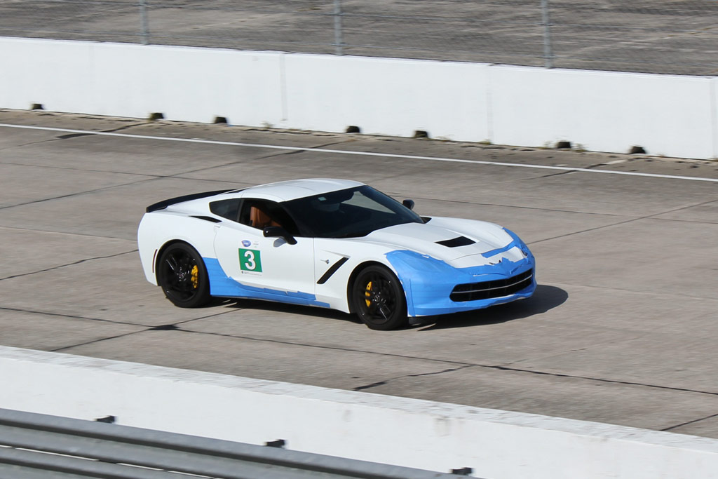 Chevrolet Offers a Track Preparation Guide for Your 2014 Corvette Stingray